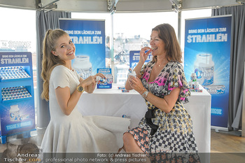 Victoria Swarovski für Orbit - Do&Co Wintergarten Stephansplatz - Mo 11.06.2018 - Victoria SWAROVSKI wird interviewt von Marion NACHTWEY1