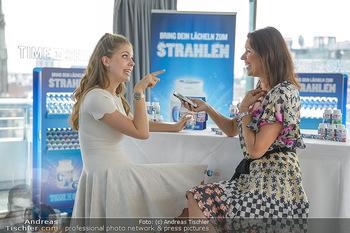 Victoria Swarovski für Orbit - Do&Co Wintergarten Stephansplatz - Mo 11.06.2018 - Victoria SWAROVSKI wird interviewt von Marion NACHTWEY5