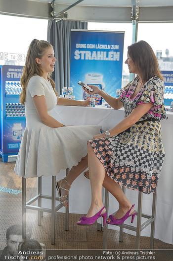 Victoria Swarovski für Orbit - Do&Co Wintergarten Stephansplatz - Mo 11.06.2018 - Victoria SWAROVSKI wird interviewt von Marion NACHTWEY6