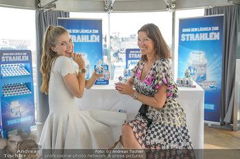 Victoria Swarovski für Orbit - Do&Co Wintergarten Stephansplatz - Mo 11.06.2018 - Victoria SWAROVSKI wird interviewt von Marion NACHTWEY12