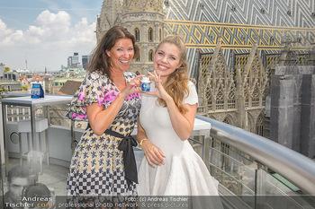 Victoria Swarovski für Orbit - Do&Co Wintergarten Stephansplatz - Mo 11.06.2018 - Victoria SWAROVSKI wird interviewt von Marion NACHTWEY22