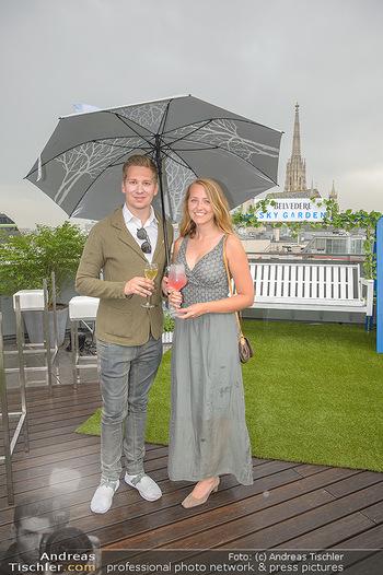 Belvedere Sky Garden - On Top Hypo NOE - Di 12.06.2018 - Clemens TRISCHLER mit Begleitung Natalie3