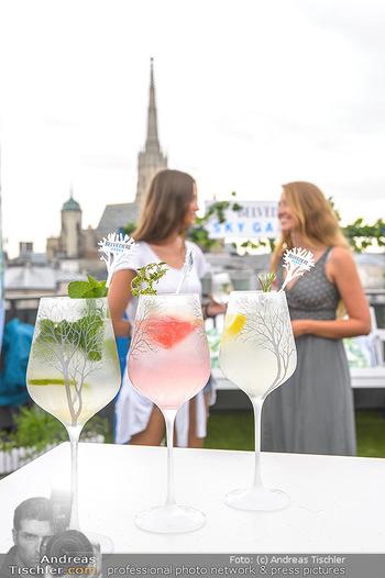 Belvedere Sky Garden - On Top Hypo NOE - Di 12.06.2018 - Drinks mit Stephansdom im Hintergrund, junge Frauen26