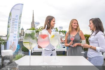 Belvedere Sky Garden - On Top Hypo NOE - Di 12.06.2018 - Drinks mit Stephansdom im Hintergrund, junge Frauen28