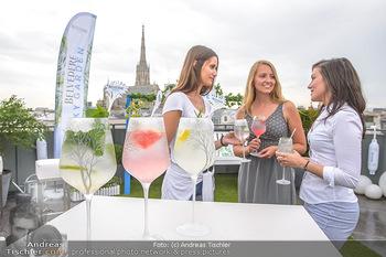 Belvedere Sky Garden - On Top Hypo NOE - Di 12.06.2018 - Drinks mit Stephansdom im Hintergrund, junge Frauen29