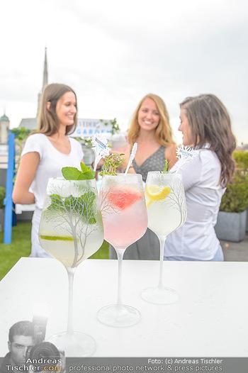 Belvedere Sky Garden - On Top Hypo NOE - Di 12.06.2018 - Drinks mit Stephansdom im Hintergrund, junge Frauen31