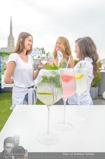 Belvedere Sky Garden - On Top Hypo NOE - Di 12.06.2018 - Drinks mit Stephansdom im Hintergrund, junge Frauen32