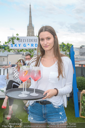 Belvedere Sky Garden - On Top Hypo NOE - Di 12.06.2018 - Antonia HAUSMAIR48