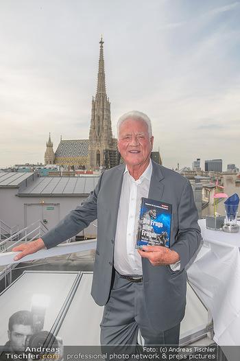 Frank Stronach Buch Die Frage aller Fragen - Skybar - Mi 04.07.2018 - Frank STRONACH2