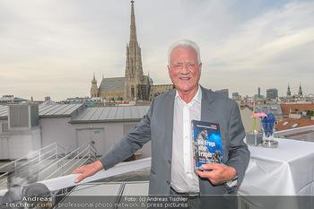 Frank Stronach Buch Die Frage aller Fragen - Skybar - Mi 04.07.2018 - Frank STRONACH3