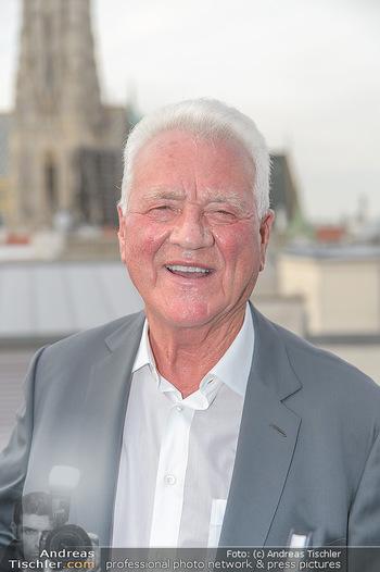 Frank Stronach Buch Die Frage aller Fragen - Skybar - Mi 04.07.2018 - Frank STRONACH (Portrait)4