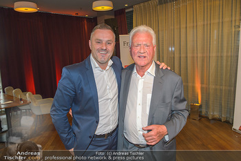 Frank Stronach Buch Die Frage aller Fragen - Skybar - Mi 04.07.2018 - 16