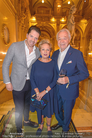 Fashion CheckIn - Wiener Staatsoper - So 08.07.2018 - Familie Harald, Daniel und Mausi Ingeborg SERAFIN26