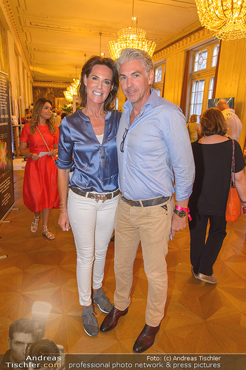 Fashion CheckIn - Wiener Staatsoper - So 08.07.2018 - Kathi STUMPF, Alex BEZA34