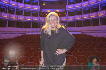 Fashion CheckIn - Wiener Staatsoper - So 08.07.2018 - Ingrid DIEM42