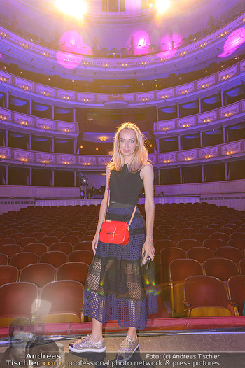 Fashion CheckIn - Wiener Staatsoper - So 08.07.2018 - Liliana KLEIN43