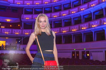Fashion CheckIn - Wiener Staatsoper - So 08.07.2018 - Liliana KLEIN47