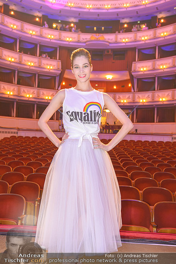 Fashion CheckIn - Wiener Staatsoper - So 08.07.2018 - Maria YAKOVLEVA50