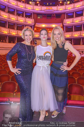 Fashion CheckIn - Wiener Staatsoper - So 08.07.2018 - Maria YAKOVLEVA, Daniela FALLY, Liliana KLEIN54