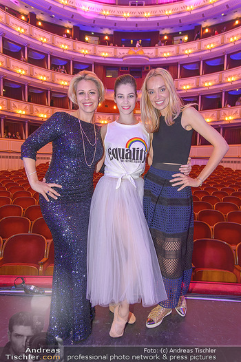 Fashion CheckIn - Wiener Staatsoper - So 08.07.2018 - Maria YAKOVLEVA, Daniela FALLY, Liliana KLEIN55