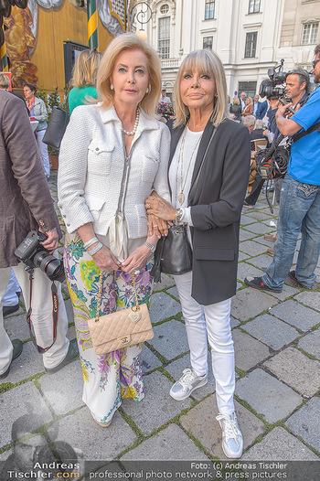 Premiere ´Der eingebildete Kranke´ - Wiener Lustspielhaus Am Hof - Mi 11.07.2018 - Daniele THOMA, Christine SCHUBERT11