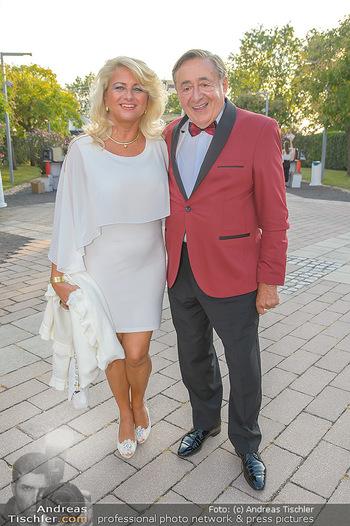 Premiere Gräfin Mariza - Seefestspiele Mörbisch - Do 12.07.2018 - Richard LUGNER mit ´Käfer´ Sonja SCHÖNANGER14