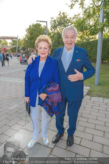 Premiere Gräfin Mariza - Seefestspiele Mörbisch - Do 12.07.2018 - Harald SERAFIN mit Ehefrau Ingeborg25
