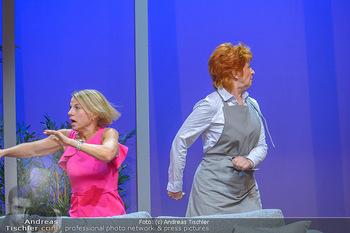 Bühnenfotos ´Boing Boing´ - Stadttheater Berndorf - Sa 21.07.2018 - Bühnenfotos zu Boing, Boing!, Festspiele Berndorf 201847