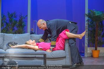 Bühnenfotos ´Boing Boing´ - Stadttheater Berndorf - Sa 21.07.2018 - Bühnenfotos zu Boing, Boing!, Festspiele Berndorf 201853