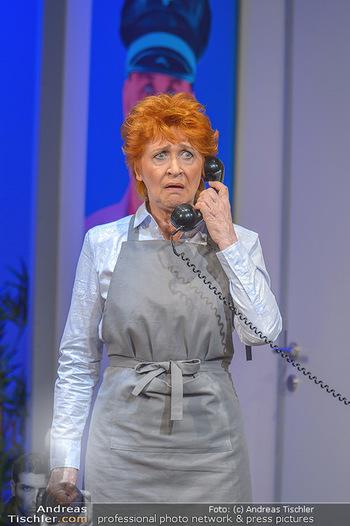 Bühnenfotos ´Boing Boing´ - Stadttheater Berndorf - Sa 21.07.2018 - Bühnenfotos zu Boing, Boing!, Festspiele Berndorf 201870
