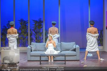 Bühnenfotos ´Boing Boing´ - Stadttheater Berndorf - Sa 21.07.2018 - Bühnenfotos zu Boing, Boing!, Festspiele Berndorf 2018121