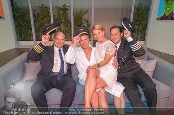 Premiere Boeing Boeing - Stadttheater Berndorf - Do 02.08.2018 - Kristina SPRENGER mit Piloten Cleemns MATZKA, Julian LOIDL, Chri3