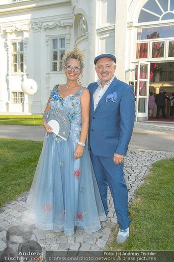 10 Jahre Luxus Lashes - Palais Schönburg - Fr 03.08.2018 - Regina FOLTYNEK mit Ehemann Henryk7