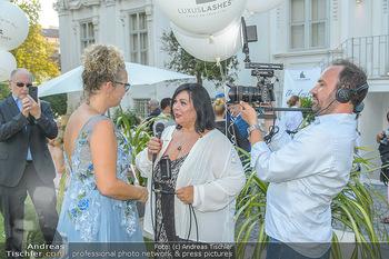 10 Jahre Luxus Lashes - Palais Schönburg - Fr 03.08.2018 - Patricia STANJEK interviewt Regina FOLTYNEK, Rainer Gregor ECKHA59