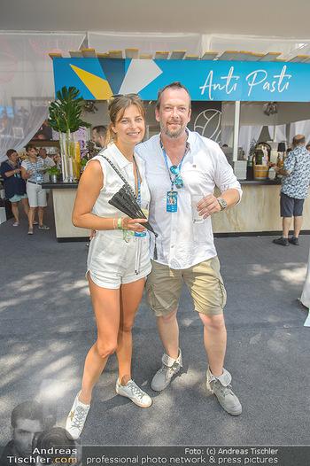 Beachvolleyball - Donauinsel Wien - Sa 04.08.2018 - Robert KRATKY mit Freundin Franziska SUMBERAZ15