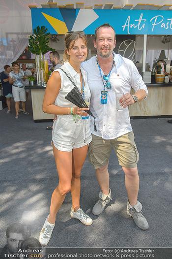 Beachvolleyball - Donauinsel Wien - Sa 04.08.2018 - Robert KRATKY mit Freundin Franziska SUMBERAZ16