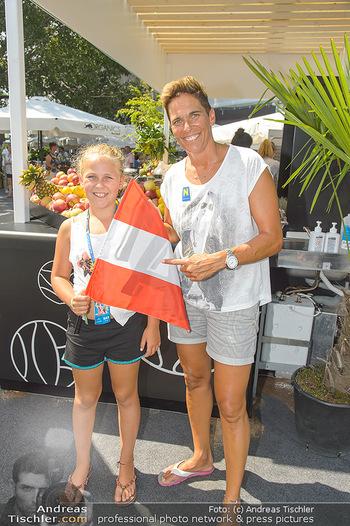 Beachvolleyball - Donauinsel Wien - Sa 04.08.2018 - Michaela DORFMEISTER mit Tochter Lea22