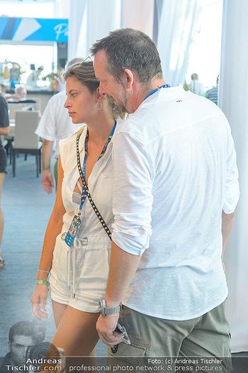 Beachvolleyball - Donauinsel Wien - Sa 04.08.2018 - Robert KRATKY mit Freundin Franziska SUMBERAZ30