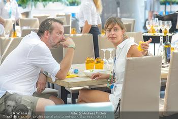 Beachvolleyball - Donauinsel Wien - Sa 04.08.2018 - Robert KRATKY mit Freundin Franziska SUMBERAZ35