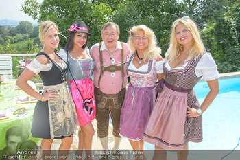 Lugners Gartenparty - Lugner Privatvilla - Di 07.08.2018 - Dani KENNEDY, Nina Bambi BRUCKNER, Sonja SCHÖNANGER, Andrea vom41