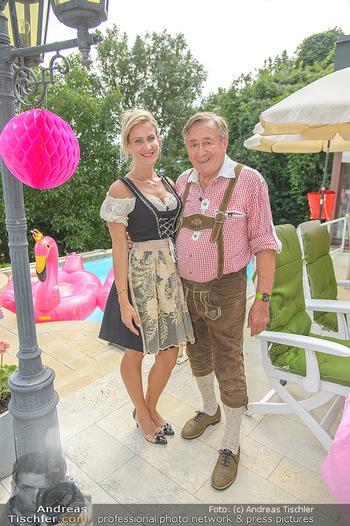 Lugners Gartenparty - Lugner Privatvilla - Di 07.08.2018 - Richard LUGNER mit Simona53