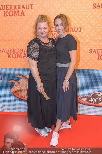 Kinopremiere Sauerkrautkoma - Village Cinemas - Do 09.08.2018 - Lisa Maria Potthoff, Ulrike BEIMPOLD18