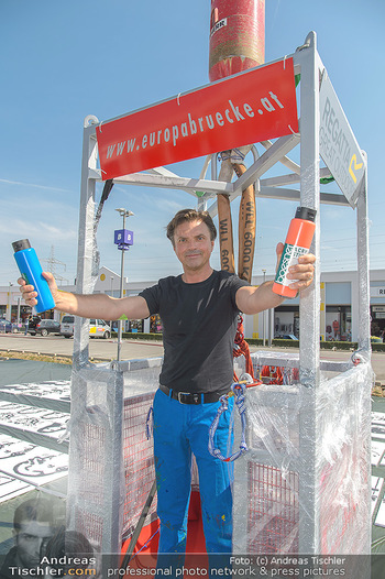 Pop Art Bungee Jumping - Fashion Outlet Center, Parndorf - Do 23.08.2018 - Thomas SEIKMANN (alias Tom NORDEN)3