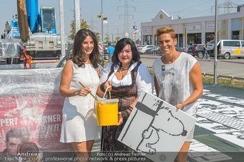 Pop Art Bungee Jumping - Fashion Outlet Center, Parndorf - Do 23.08.2018 - Sonja KLIMA, Michaela DORFMEISTER, Patricia STANJEK6