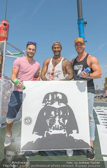 Pop Art Bungee Jumping - Fashion Outlet Center, Parndorf - Do 23.08.2018 - HC Hans Christian HAAS, Michael MOLTERER, Lukas WOSMEK10