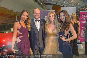 Miss Austria 2018 - Design Center Linz - Sa 01.09.2018 - Jörg RIGGER mit Ehefrau Kerstin, Celine SCHRENK, Kimberly BUDIN19