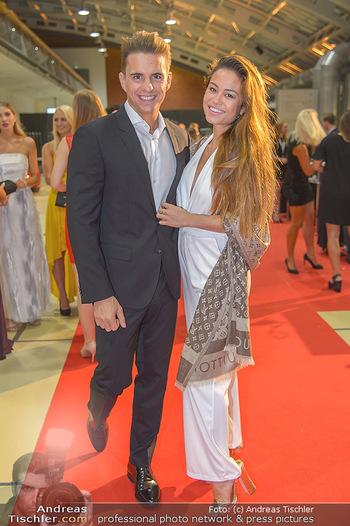 Miss Austria 2018 - Design Center Linz - Sa 01.09.2018 - Philipp KNEFZS mit Freundin Virginia ROHRHAN59