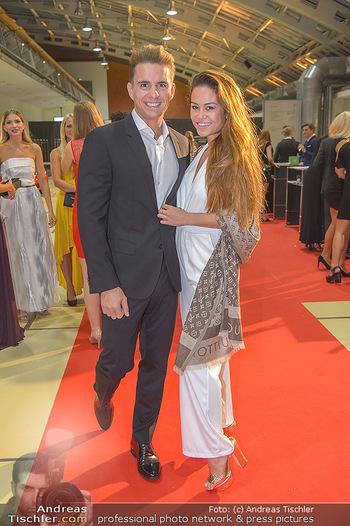 Miss Austria 2018 - Design Center Linz - Sa 01.09.2018 - Philipp KNEFZS mit Freundin Virginia ROHRHAN60