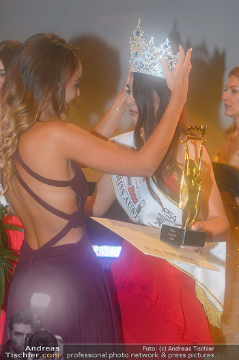 Miss Austria 2018 - Design Center Linz - Sa 01.09.2018 - Celine SCHRENK überreicht Krone an Daniela ZIVKOV171