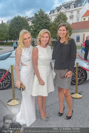 Leading Ladies Awards 2018 - Schloss Belvedere - Di 04.09.2018 - Jenny MAGIN (Fellner), Irene STRÖCK mit Freundin des Sohnes12